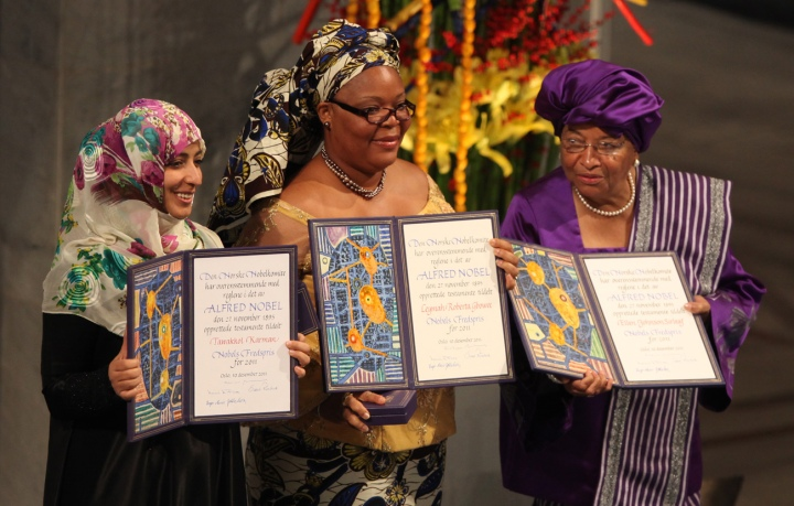 2014-11-18-Tawakkul_Karman_Leymah_Gbowee_Ellen_Johnson_Sirleaf_Nobel_Peace_Prize_2011_Harry_Wad3